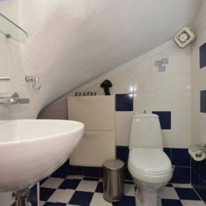 Guest's wc in Kalandra villa Halkidiki